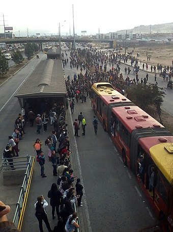 Protests in TransMilenio at the Terreros station, 12 February 2016 Pt.jpg