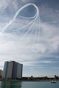 Red Arrows display at Portsmouth in July 2008 5.jpg