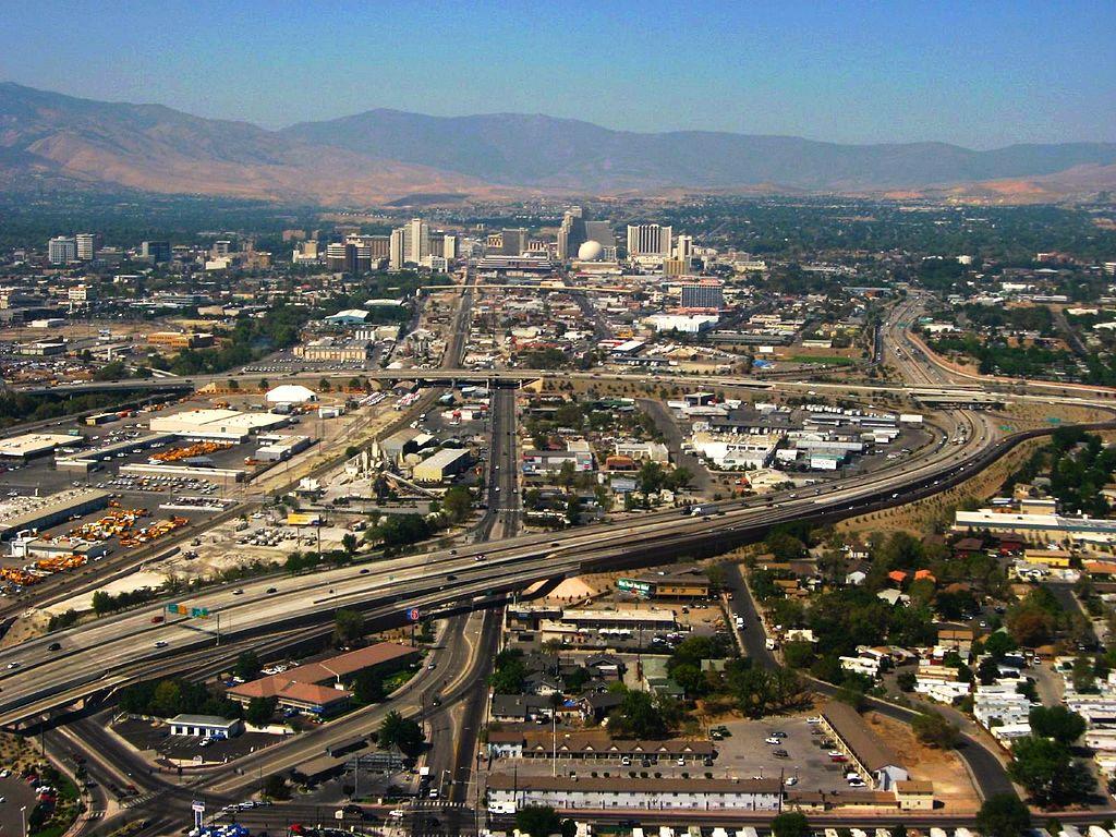 City Of Henderson Nv >> File:Reno, Nevada During Landing (1290432418).jpg - Wikimedia Commons