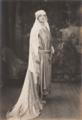 Retrato da Rainha D. Amélia (c. 1927) - André Taponier.png