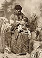 Retrato de mulher com criança no colo - Vincenzo Pastore.jpg
