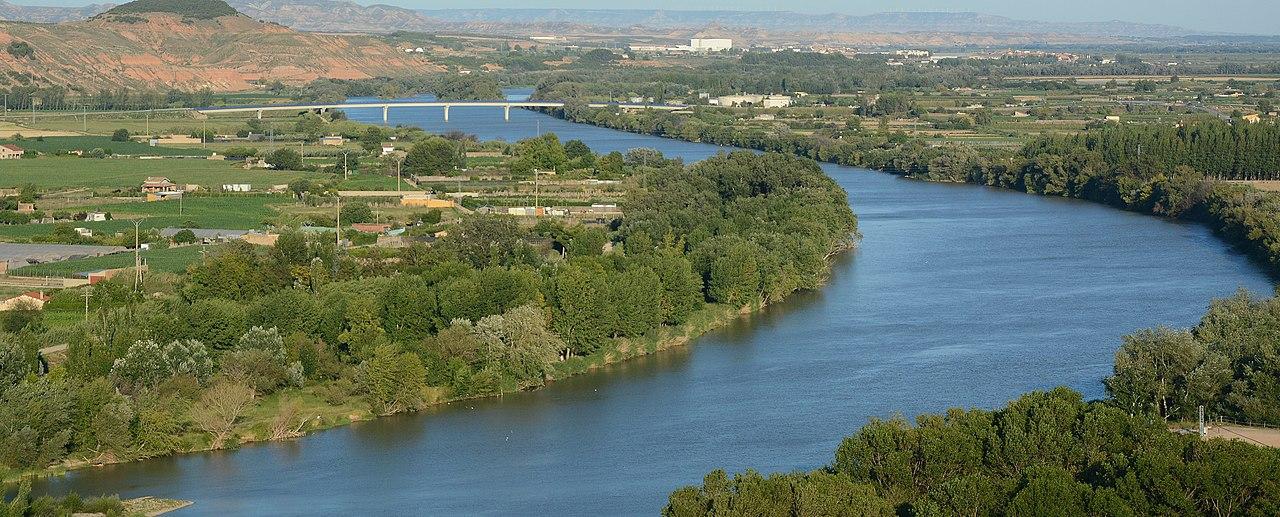 A  File:Rio Ebro, Tudela,...