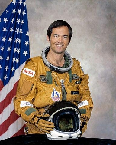 Astronaut Bob Crippen, NASA photo (1979)Source: Wikipedia (www.jsc.nasa.gov unavailable September 2019) 384px-Robert_Crippen.jpg