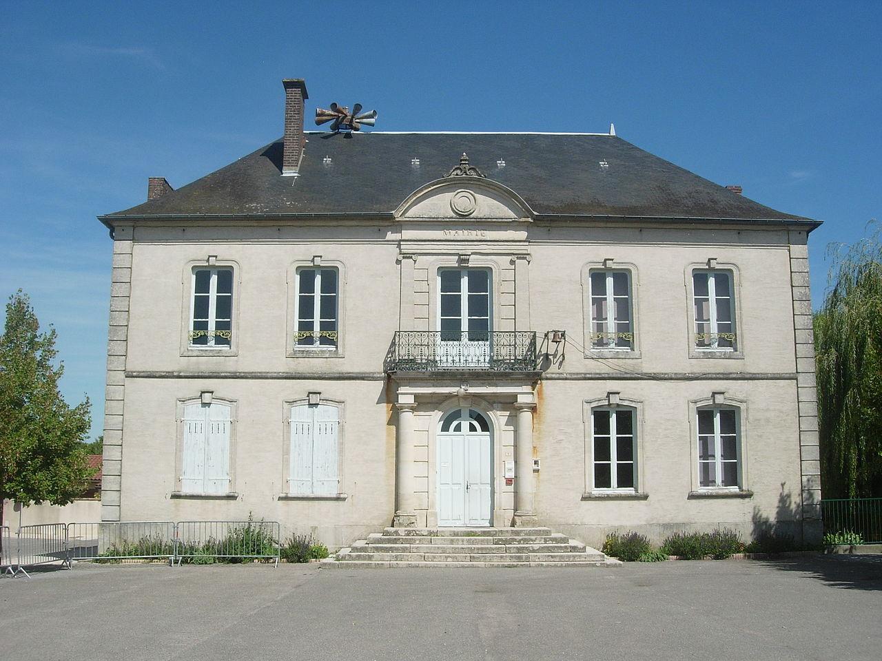 Rosnay-l'Hôpital mairie.jpg