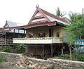 Rumah tradisional Bugis-Makassar.JPG