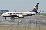 Ryanair, EI-FOS, Boeing 737-8AS (36833727450).jpg
