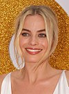 SYDNEY, AUSTRALIA - JANUARY 23 Margot Robbie arrives at the Australian Premiere of 'I, Tonya' on January 23, 2018 in Sydney, Australia (28074883999) (cropped 3).jpg