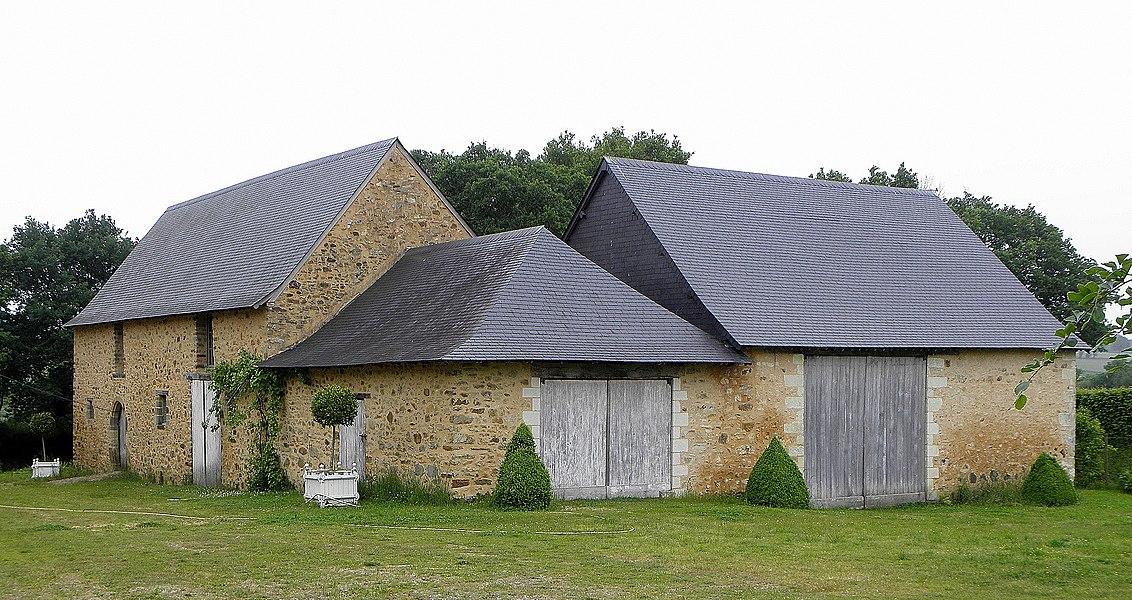 Manoir de la Joubardière en Saint-Martin-du-Limet (53). Dépendances.