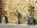 Saint-Sauveur (Dordogne) église tombes (3).JPG