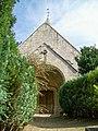 Saint-Vaast-de-Longmont (60), église Saint-Vaast, porche.jpg