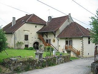habitation traditionnelle du jura wikip dia
