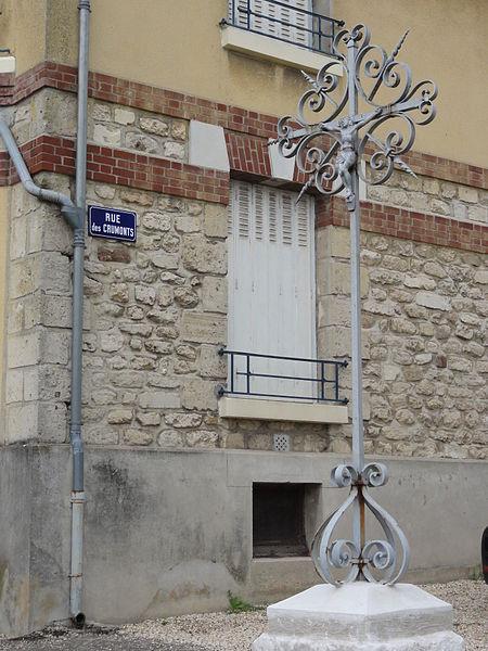 Sainte-Croix (Aisne) croix de chemin