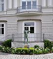 Salzburg Karajan-Statue 01.jpg