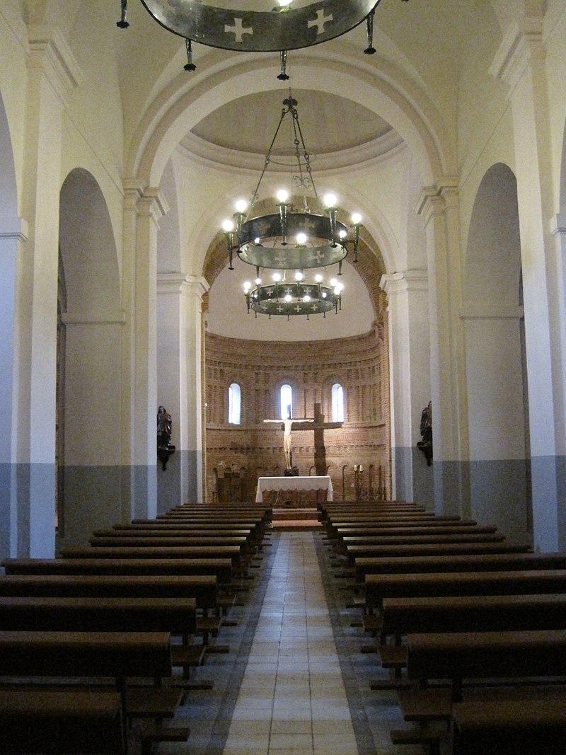 San Gervasio y San Protasio interior.jpg