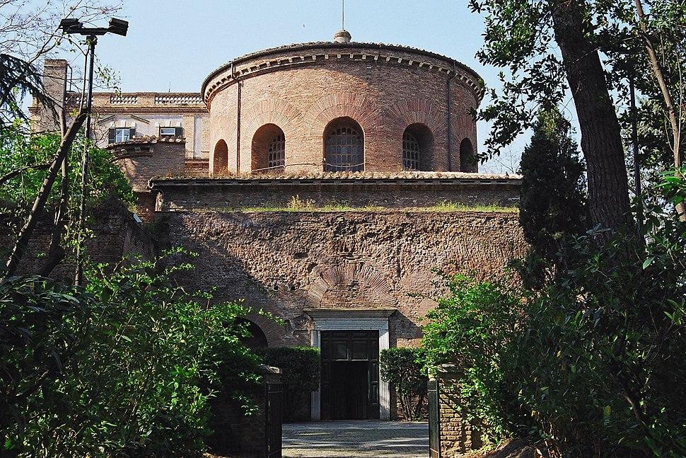Santa Costanza. Exterior