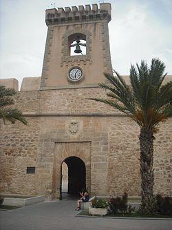 Santa Pola. Castillo. Puerta este 3.JPG