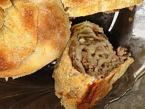 Kol böreği - Image: Sarburma inside