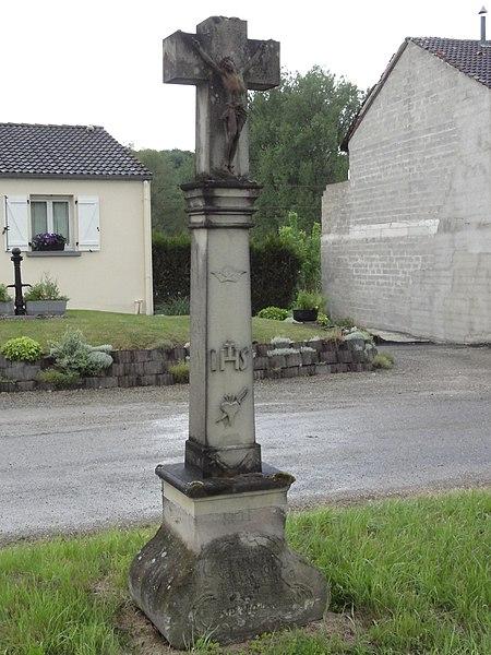 Sarraltroff (Moselle) croix de chemin