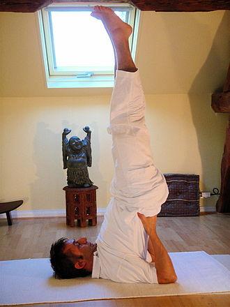 Ananda Marga - Yoga Sarvangasana.