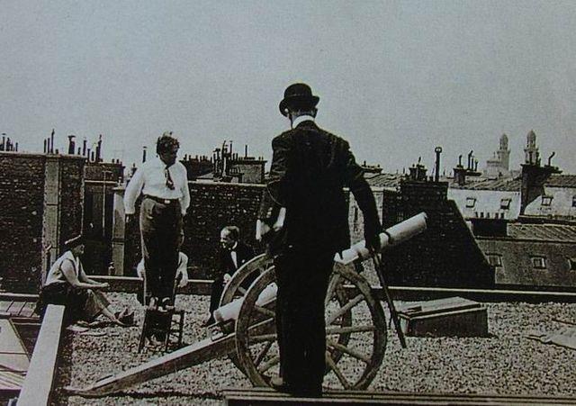 Сати, Пикабиа и Бьорлен на съёмках пролога фильма «Relâche» (ноябрь 1924 года)