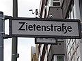Schöneberg Zietenstraße Korkmännchen.jpg