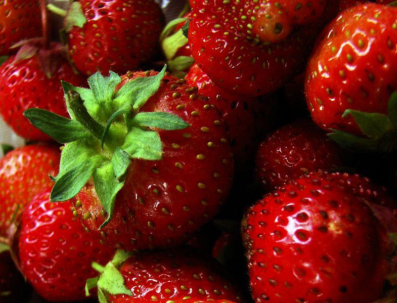 File:Several strawberries.jpg
