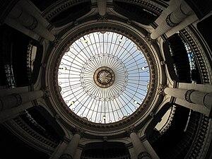 Crédit Lyonnais headquarters - The roof lantern lighting the staircase