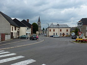 Signy-l'Abbaye (Ardennes) une rue.JPG