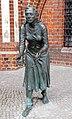 Skulptur Marktstr (Tangermünde) Grete Minde&Lutz Gaede&2009.jpg