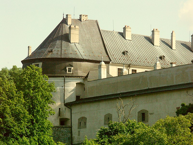 Súbor:Slovakia Cerveny kamen Castle 1.JPG