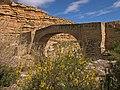 Sobre un afluente de la margen derecha del río Ebro (8623367459).jpg
