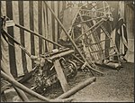 Some of the remains of the Zeppelin brought down in Essex now on view to the pub, Bestanddeelnr 158-2579.jpg