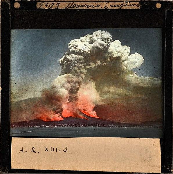 File:Sommer 2503 - Vesuvio eruzione 1872, diapositiva.jpg