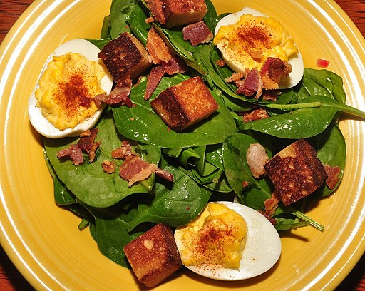 Spinach salad (4441337113)