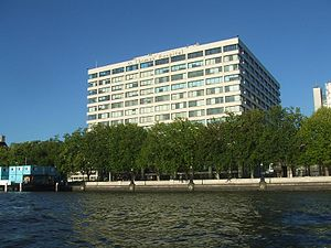 King's Health Partners - Image: St Thomas Hospital from the Thames