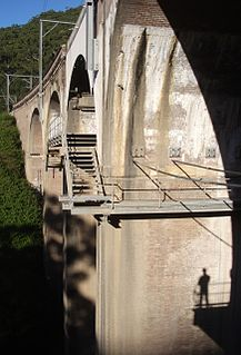 """Stanwell Creek railway viaduct, Stanwell Park """"Heritage place or item located at Illawarra railway 56.727 kms, Stanwell Park New South Wales, Australia"""""""