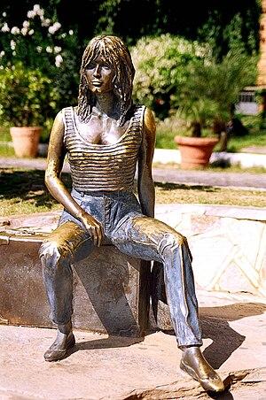 Armação dos Búzios - Statue of Brigitte Bardot in Búzios.