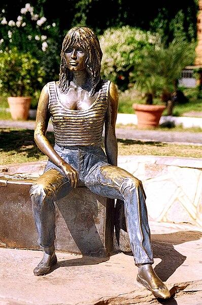 Ficheiro:Statue of Brigitte Bardot in Rio de Janeiro.jpg