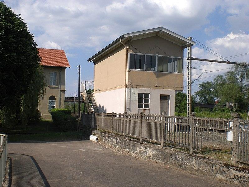 Stellwerk am Bahnhof Novéant-sur-Moselle