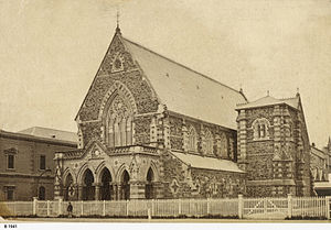 Pilgrim Uniting Church - Image: Stow Memorial Church (now Pilgrim Church), Flinders Street, Adelaide SLSA B 1941