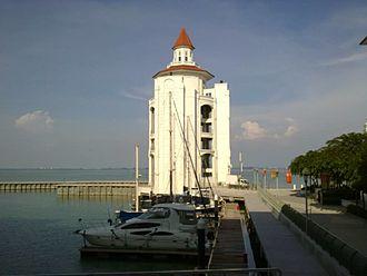 Straits Quay - Straits Quay Marina Lighthouse