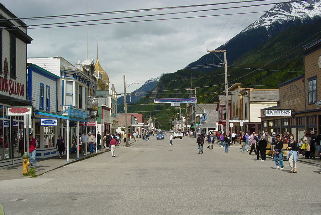Street, downtown Skagway 2006