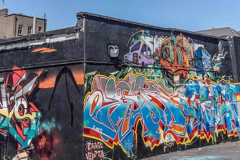 File:Street Art, Tivoli Car Park (Francis Street) - panoramio (10).jpg