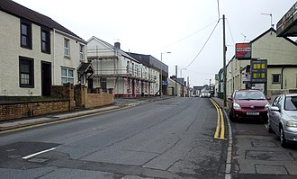 Taff's Well - Image: Taffs Well Cardiff Road by Malost