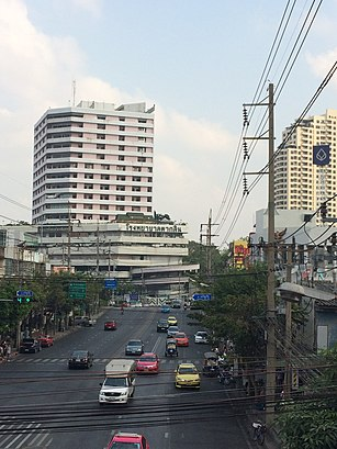 How to get to ถนนเจริญนคร with public transit - About the place