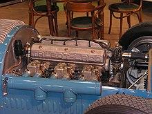 Talbot Lago T26 GS Motor 1.jpg