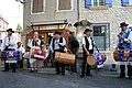 Tambourinaires du Comtat en aubade à Pernes-les-Fontaines.jpg
