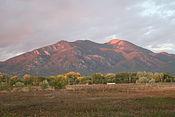 Taos Mountain at Sunset (2973710102).jpg
