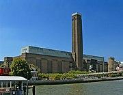 Tate Modern viewed from Thames Pleasure Boat - geograph.org.uk - 307445.jpg