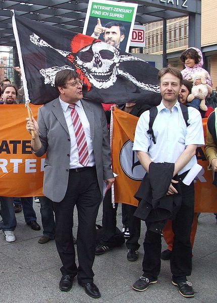 File:Tauss piratenpartei.JPG